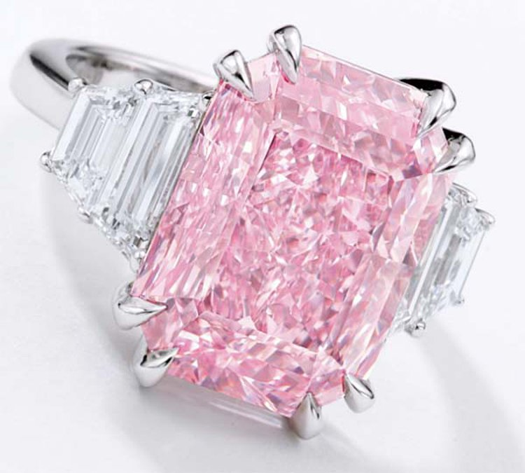 Flawless 10.64-Carat Purplish-Pink Diamond Is Top Lot at Sotheby's HK Auction